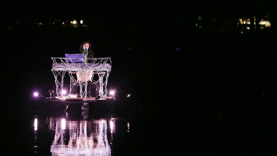 Floating Piano (10)