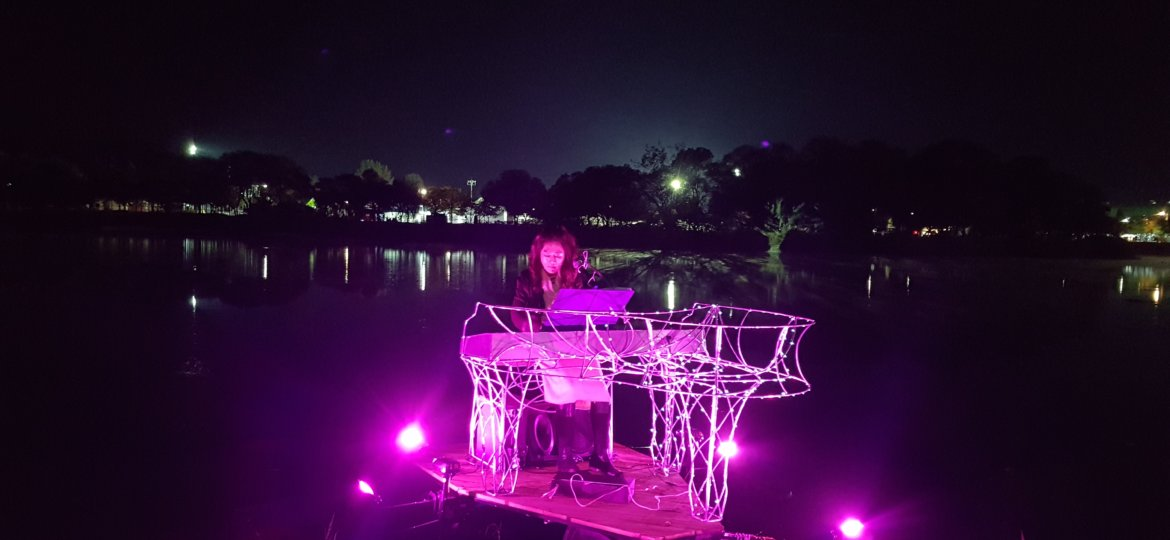 Floating Piano (4)